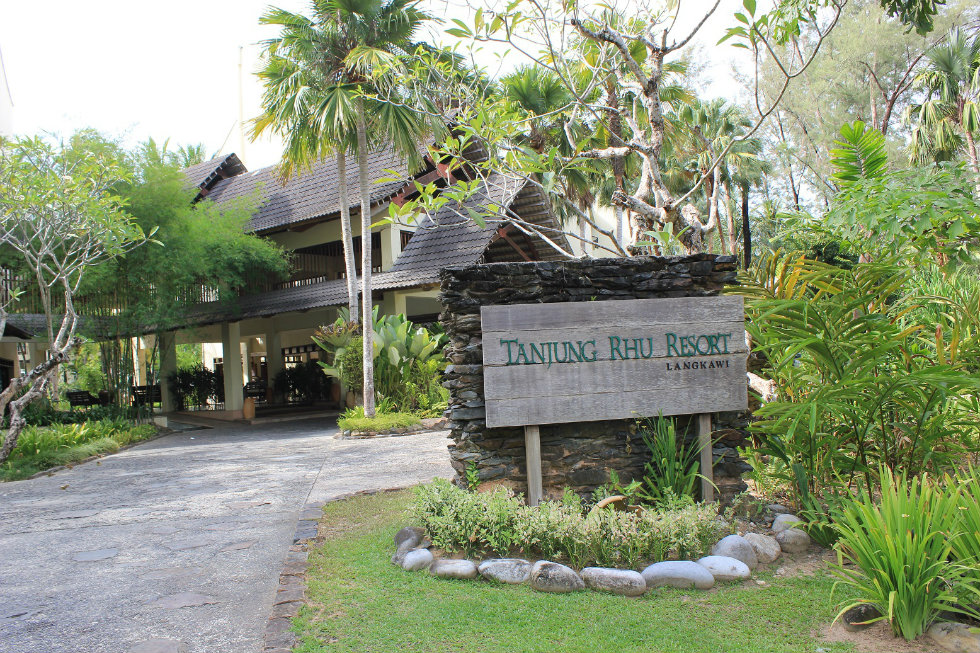 tanjung rhu Tanjung rhu resort 5 stars this is a preferred property it provides excellent service, great value and has brilliant reviews from bookingcom guests the property may pay bookingcom a bit more to be in this programme.